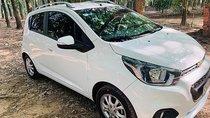 Cần bán lại xe Chevrolet Spark LT 1.2 MT năm sản xuất 2018, màu trắng xe gia đình