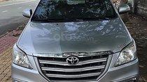Cần bán Toyota Innova đời 2016, màu bạc
