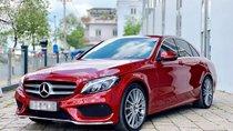 Cần bán Mercedes C300 AMG sản xuất 2018, màu đỏ