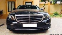 Cần bán lại xe Mercedes đời 2018, màu đen số tự động