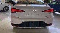 Cần bán xe Hyundai Elantra năm 2019, màu trắng