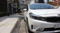 Bán Kia Cerato MT đời 2016, màu trắng, nhập khẩu xe gia đình