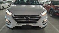 Hyundai Tucson  có sẵn giao ngay, tặng 10tr phụ kiện, hỗ trợ vay góp thủ tục nhanh gọn. LH: Hạnh 0935 851446