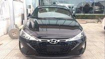 Bán xe Hyundai Elantra năm 2019, màu đen, 580 triệu