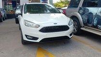 Bán Ford Focus, giá giảm sâu, quà tặng hơn 50 triệu, liên hệ ngay Xuân Liên 0963 241 349