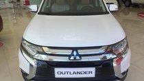 Mitsubishi Outlander 7 chỗ đời 2019, xe đủ màu giao ngay, cho góp đến 80%, lãi suất thấp, LH 0938.598.738 (Ms Phương)