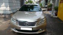 Cần bán xe Toyota Camry 2.5Q sx 2014 số tự động màu nâu vàng, biển số thành phố