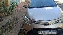 Gia đình bán xe Toyota Vios đời 2018, màu vàng cát