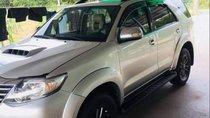 Bán Toyota Fortuner 2015, màu bạc, nhập khẩu nguyên chiếc số sàn