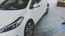 Cần bán lại xe Kia Cerato năm 2018, màu trắng, xe còn mới