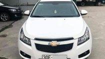 Cần bán xe Chevrolet Cruze năm sản xuất 2014, màu trắng số sàn