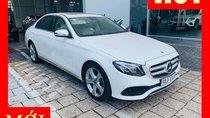 Bán xe Mercedes E250 trắng/kem mới chính hãng 2018. Trả trước 750 triệu nhận xe