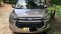 Cần bán Toyota Innova 2017, màu bạc số sàn, giá 675tr