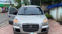Cần bán gấp Hyundai Grand Starex 2006, màu bạc, xe nhập