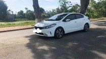 Cần bán lại xe Kia Cerato đời 2017, màu trắng, nhập khẩu nguyên chiếc đẹp như mới
