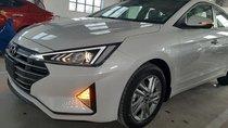 Cần bán xe Hyundai Elantra đời 2019, màu trắng, nhập khẩu