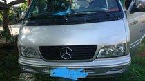 Bán gấp Mercedes tròn đời 2002 màu bạc