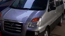 Gia đình bán Hyundai Starex Van 2.5 MT sản xuất 2006, màu bạc