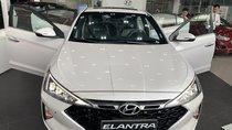 Bán Hyundai Elantra đời 2019, màu trắng, 590tr