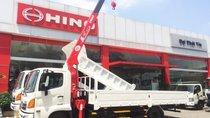 Xe tải Hino 2019 6 tấn, thùng lửng 6.1m, gắn cẩu Unic URV344