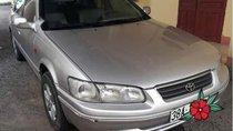 Cần bán Toyota Camry năm 2001, màu bạc, giá chỉ 215 triệu