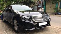 Cần bán gấp Mercedes C250 Exluvise 12/2017, full option, biển số SG