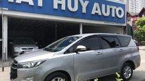 Bán Toyota Innova 2.0E đời 2017, màu bạc, xe gia đình