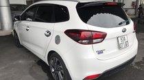 Bán Kia Rondo GMT 2.0 máy xăng số sàn màu trắng sản xuất 2017 mẫu mới