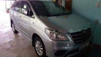 Cần bán lại xe Toyota Innova sản xuất 2014, màu bạc