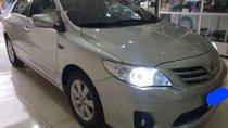 Cần bán lại xe Toyota Corolla Altis đời 2011, màu bạc