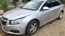 Cần bán Chevrolet Cruze MT 2013, màu bạc, xe đã sử dụng 5 năm