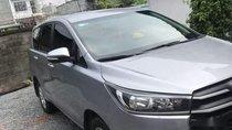 Cần bán xe Innova 2017, đăng kí tháng 1/2018, màu bạc, số sàn