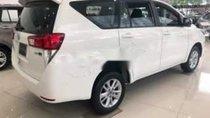 Cần bán xe Toyota Innova 2.0E năm sản xuất 2019, màu trắng, giá 771tr