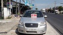 Cần bán xe Daewoo Gentra MT 2009, màu bạc, xe còn đẹp