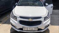 Cần bán gấp Chevrolet Cruze LTZ AT đời 2017, màu trắng, nhập khẩu, xe đi gia đình nên chạy ít
