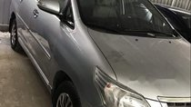 Cần bán lại xe Toyota Innova năm 2015, màu bạc số sàn