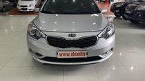 Cần bán Kia K3 đời 2015, màu bạc