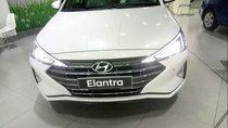 Bán Hyundai Elantra 2.0AT năm 2019, màu trắng, giá tốt