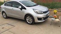 Cần bán xe Kia Rio sản xuất 2017, màu bạc số sàn, giá 410tr