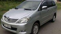 Cần bán xe Toyota Innova G năm 2010, màu bạc, xe nhập xe gia đình