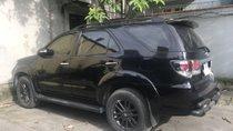 Bán xe Toyota Fortuner AT sản xuất năm 2015, màu đen
