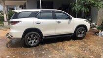 Bán Toyota Fortuner năm sản xuất 2017, màu trắng, nhập khẩu xe gia đình