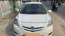 Cần bán Toyota Vios Limo năm sản xuất 2010, màu trắng số sàn, giá chỉ 240 triệu