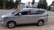 Cần bán xe Toyota Innova năm 2017, màu bạc