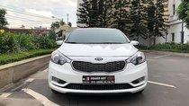 Cần bán lại xe Kia K3 đời 2016, màu trắng