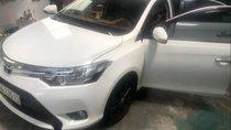 Cần bán Toyota Vios đời 2017, màu trắng xe gia đình