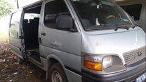 Cần bán gấp Toyota Hiace sản xuất 1999, màu bạc, xe nhập, giá tốt
