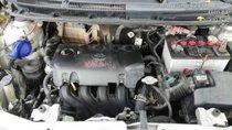 Cần bán Toyota Vios E sản xuất năm 2010, màu bạc số sàn