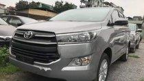 Bán xe Toyota Innova đời 2019, màu bạc