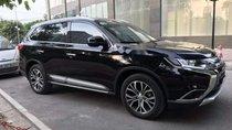 Bán Mitsubishi Outlander 2.0AT đời 2018, màu đen, xe như mới